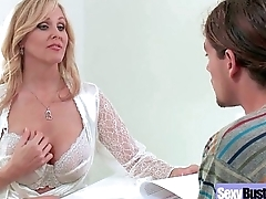 (Julia Ann) Round Big Tits Mommy Enjoy Hard Sex movie-25