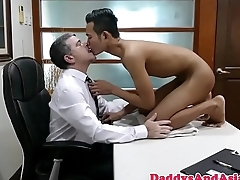 Office daddy banging filipino twink