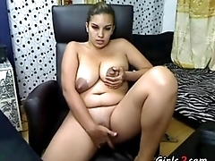 Busty latina making her personate