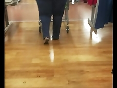 Thick sexy black milf bbw with a huge ass and wide hips walking candid must look at