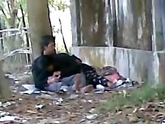 Desi cute indian lover sucking big cock approximately public park