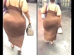 huge jiggly bouncing ass on black ssbbw candid walking must see